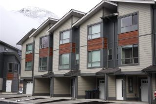 """Photo 1: 21 38684 BUCKLEY Avenue in Squamish: Downtown SQ Townhouse for sale in """"Newport Landing"""" : MLS®# R2145592"""
