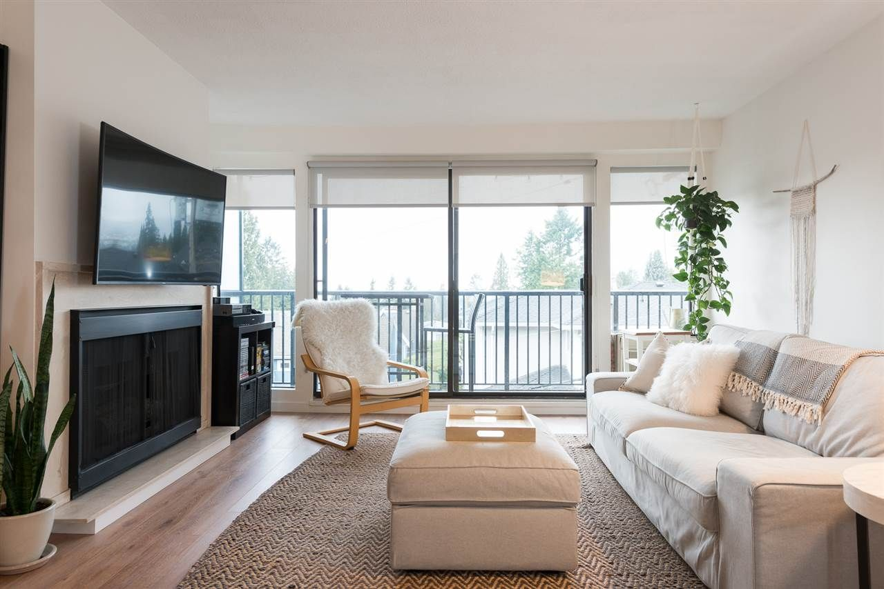 """Main Photo: 305 2545 LONSDALE Avenue in North Vancouver: Upper Lonsdale Condo for sale in """"The Lexington"""" : MLS®# R2241136"""