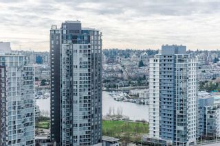 """Photo 11: 2207 1351 CONTINENTAL Street in Vancouver: Downtown VW Condo for sale in """"MADDOX"""" (Vancouver West)  : MLS®# R2040078"""