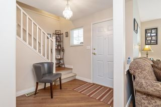 """Photo 4: 45 6885 184 Street in Surrey: Cloverdale BC Townhouse for sale in """"CREEKSIDE AT CLAYTON HILL"""" (Cloverdale)  : MLS®# R2572095"""