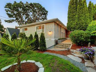 Photo 1: 1957 Hampshire Rd in : OB North Oak Bay House for sale (Oak Bay)  : MLS®# 878624