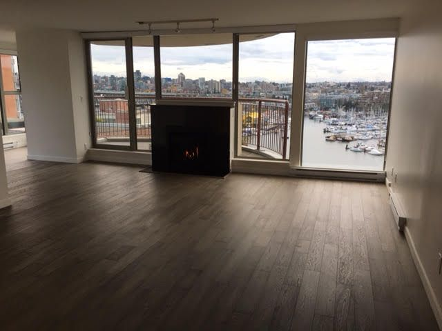 Photo 3: Photos: 1102-1000 Beach in Vancouver: Yaletown False Creek Condo for rent (Downtown Vancouver)