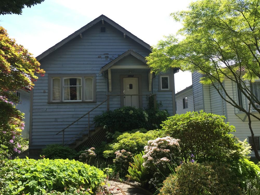 Main Photo: 3240 William Street in Renfrew: Home for sale