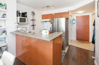 "Photo 5: 1002 2763 CHANDLERY Place in Vancouver: Fraserview VE Condo for sale in ""RIVER DANCE"" (Vancouver East)  : MLS®# R2095895"