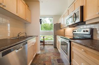 """Photo 11: 209 1920 E KENT AVENUE SOUTH Avenue in Vancouver: Fraserview VE Condo for sale in """"Harbour House at Tugboat Landing"""" (Vancouver East)  : MLS®# R2170194"""