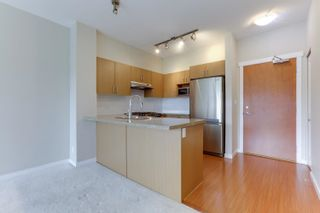 """Photo 12: 412 3097 LINCOLN Avenue in Coquitlam: New Horizons Condo for sale in """"LARKIN HOUSE"""" : MLS®# R2622178"""