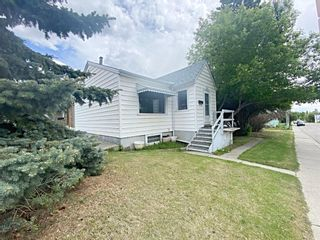Photo 1: 2012 9 Street NW in Calgary: Mount Pleasant Detached for sale : MLS®# A1121420