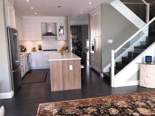 """Photo 4: 7 2239 164A Street in Surrey: Grandview Surrey Townhouse for sale in """"Evolve"""" (South Surrey White Rock)  : MLS®# R2339595"""