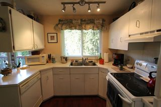 Photo 4: 2492 Forest Drive: Blind Bay House for sale (Shuswap)  : MLS®# 10115523