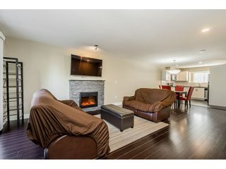 """Photo 3: 106 13368 72 Avenue in Surrey: West Newton Townhouse for sale in """"Crafton Hill"""" : MLS®# R2314183"""