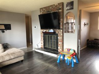 """Photo 4: 208 CLARK Crescent in Prince George: Heritage House for sale in """"Heritage"""" (PG City West (Zone 71))  : MLS®# R2453310"""