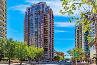 Photo 2: 501 650 10 Street SW in Calgary: Downtown West End Apartment for sale : MLS®# C4232360