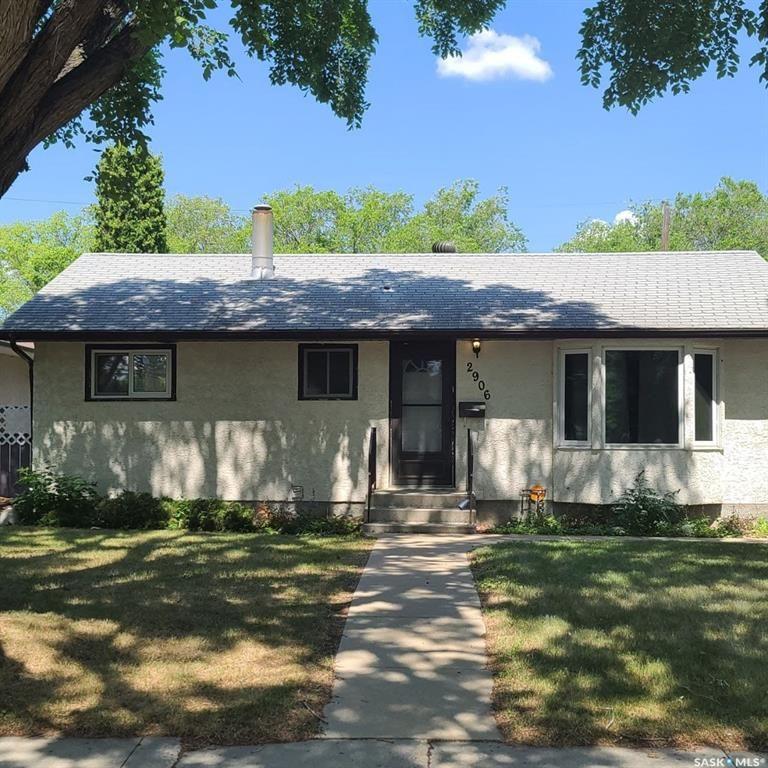 Main Photo: 2906 21st Street West in Saskatoon: Meadowgreen Residential for sale : MLS®# SK863211
