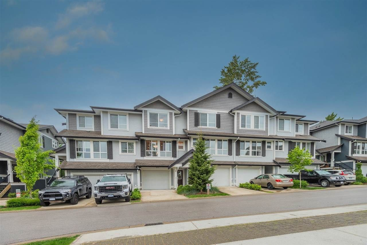 """Main Photo: 40 7157 210 Street in Langley: Willoughby Heights Townhouse for sale in """"THE ALDER"""" : MLS®# R2581869"""
