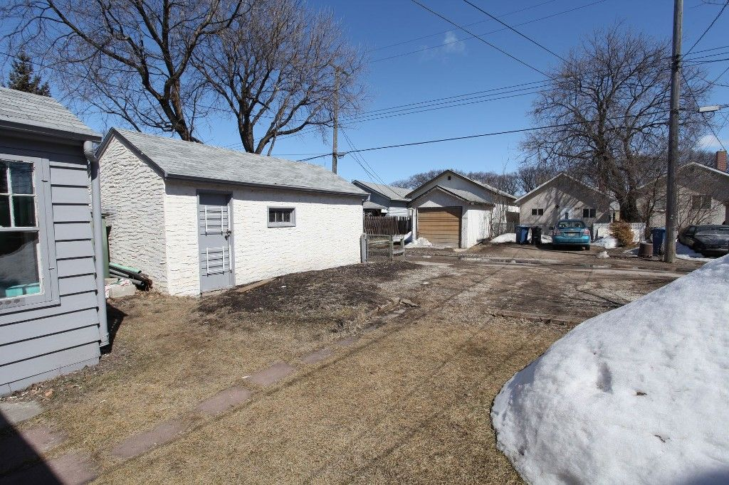 Photo 42: Photos: 963 Ashburn Street in Winnipeg: West End / Wolseley Single Family Detached for sale (West Winnipeg)  : MLS®# 1306767