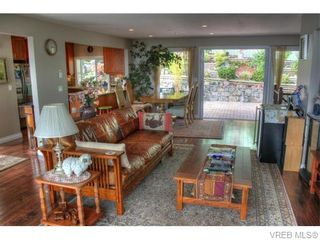 Photo 6: 5036 Sunrise Terr in VICTORIA: SE Cordova Bay House for sale (Saanich East)  : MLS®# 743056