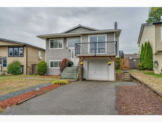 Photo 3: 3461 JUNIPER Crescent in Abbotsford: Abbotsford East House for sale : MLS®# R2617514