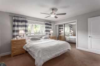 Photo 11: 5488 RAWLINS Crescent in Delta: Pebble Hill House for sale (Tsawwassen)  : MLS®# R2169368