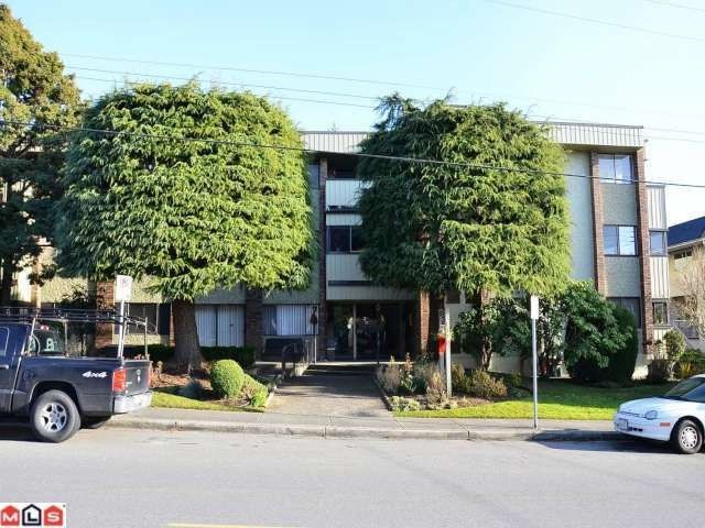 "Main Photo: 204 1320 FIR Street: White Rock Condo for sale in ""THE WILLOWS"" (South Surrey White Rock)  : MLS®# F1223733"