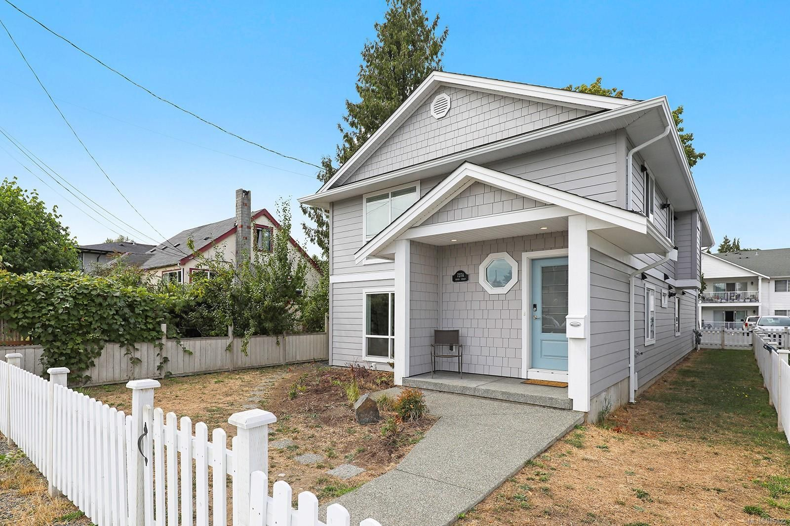Main Photo: 727 9th St in Courtenay: CV Courtenay City House for sale (Comox Valley)  : MLS®# 885622