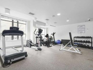 """Photo 14: 1001 1068 W BROADWAY in Vancouver: Fairview VW Condo for sale in """"The Zone"""" (Vancouver West)  : MLS®# R2148292"""