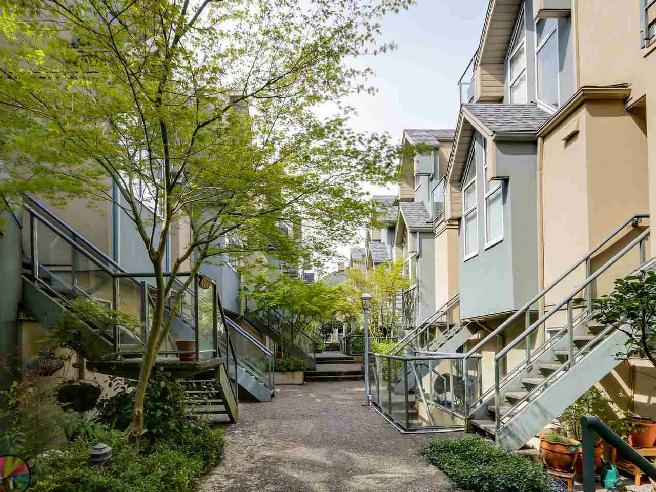 """Main Photo: 3011 LAUREL Street in Vancouver: Fairview VW Townhouse for sale in """"FAIRVIEW COURT"""" (Vancouver West)  : MLS®# R2058843"""