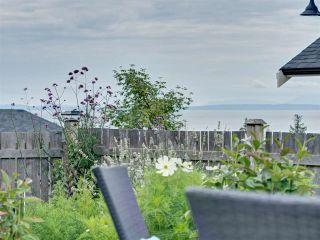 """Photo 20: 5533 PEREGRINE Crescent in Sechelt: Sechelt District House for sale in """"Silverstone Heights"""" (Sunshine Coast)  : MLS®# R2397737"""