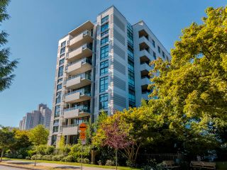"""Photo 2: 415 2851 HEATHER Street in Vancouver: Fairview VW Condo for sale in """"Tapastry"""" (Vancouver West)  : MLS®# R2623362"""