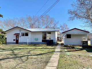 Photo 2: 104 3rd Avenue West in Dinsmore: Residential for sale : MLS®# SK851494