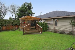 """Photo 19: 5748 168TH Street in Surrey: Cloverdale BC House for sale in """"RICHARDSON RIDGE"""" (Cloverdale)  : MLS®# R2024526"""