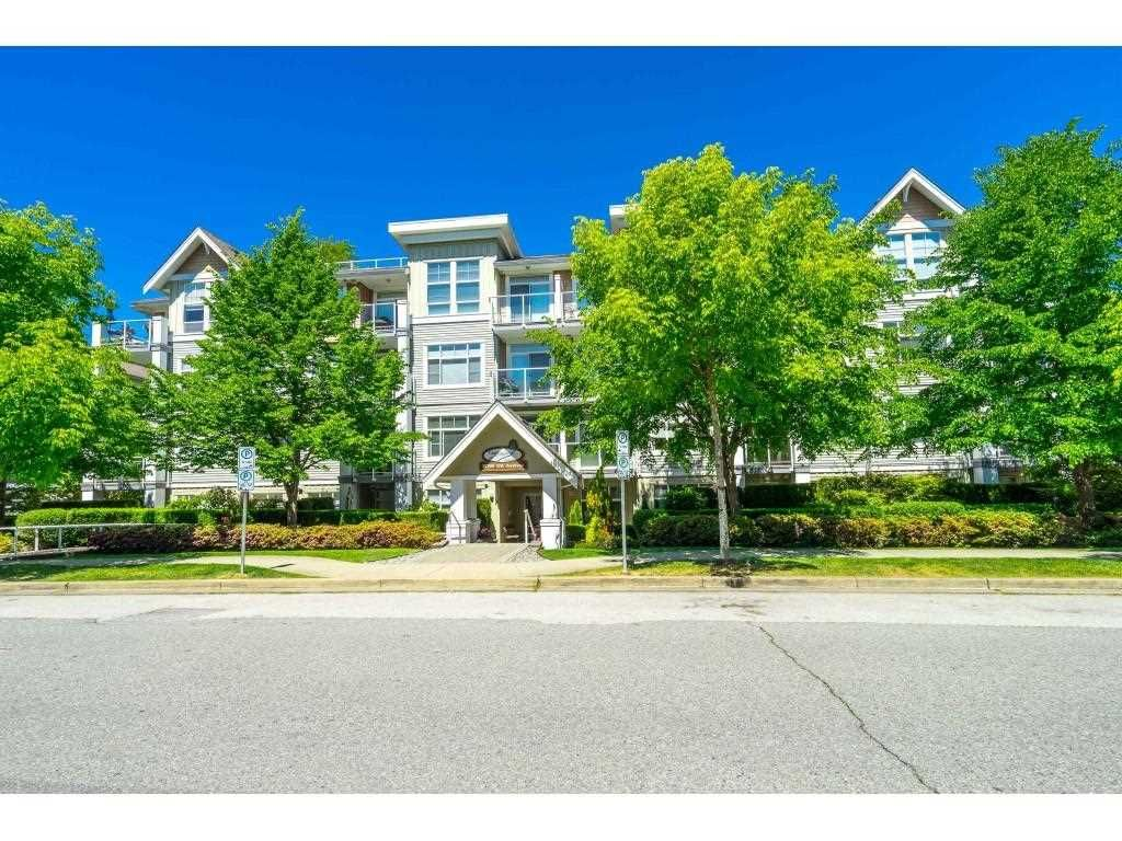 Main Photo: 103 15299 17A Avenue in Surrey: King George Corridor Condo for sale (South Surrey White Rock)  : MLS®# R2583735