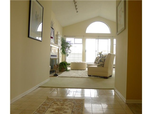 """Main Photo: 305 7660 MINORU Boulevard in Richmond: Brighouse South Condo for sale in """"BENTLEY WYND"""" : MLS®# V937431"""