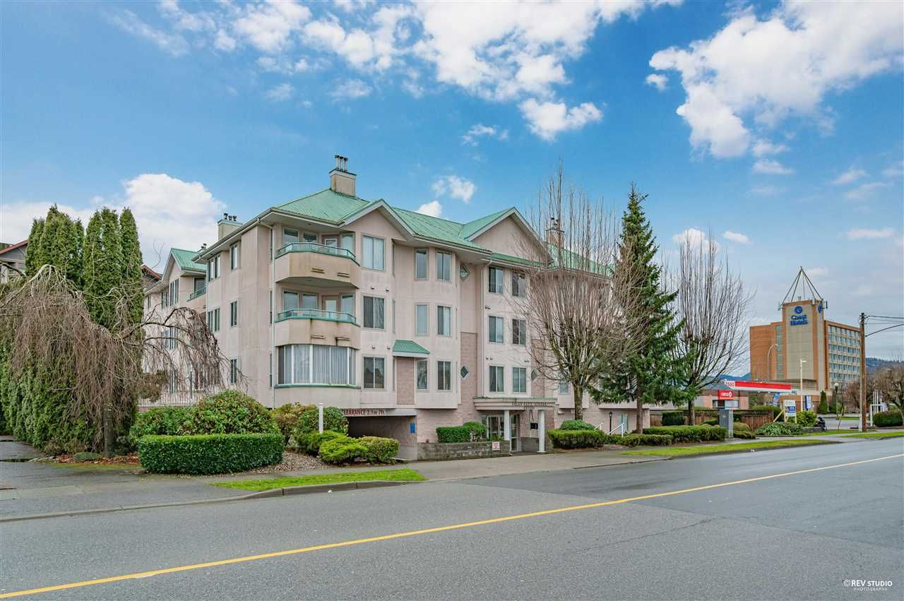 Main Photo: 201 46000 FIRST Avenue: Condo for sale in Chilliwack: MLS®# R2528447