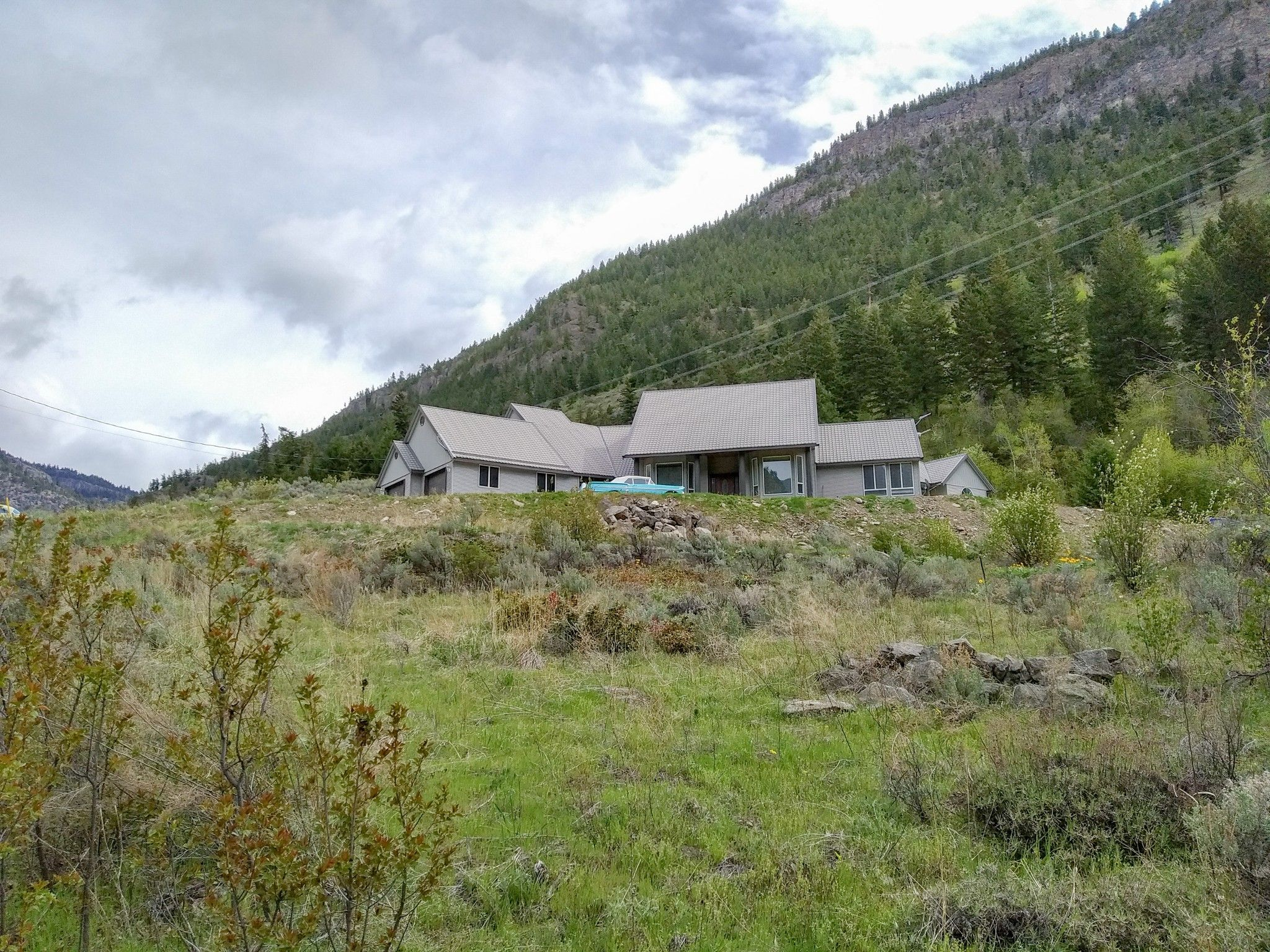 Main Photo: 1850 WHITE LAKE ROAD W in Keremeos/Olalla: Out of Town House for sale : MLS®# 184764