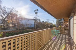 "Photo 12: 307 2366 WALL Street in Vancouver: Hastings Condo for sale in ""LANDMARK MARINER"" (Vancouver East)  : MLS®# R2326373"