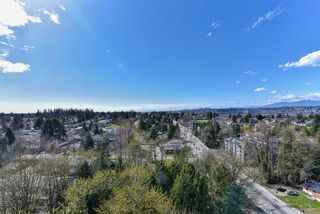 """Photo 22: 2202 10777 UNIVERSITY Drive in Surrey: Whalley Condo for sale in """"CITY POINT"""" (North Surrey)  : MLS®# R2511547"""