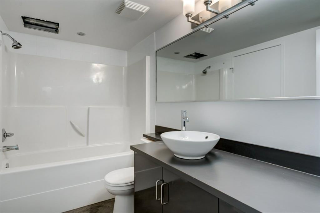 Photo 14: Photos: 310 188 15 Avenue SW in Calgary: Beltline Apartment for sale : MLS®# A1129695