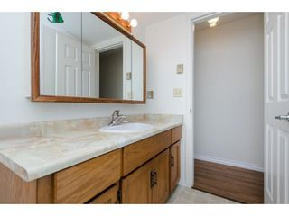 """Photo 10: 49 32959 GEORGE FERGUSON Way in Abbotsford: Central Abbotsford Townhouse for sale in """"Oakhurst"""" : MLS®# R2252811"""