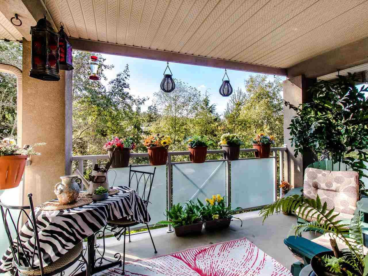 """Main Photo: 402 15140 29A Avenue in Surrey: King George Corridor Condo for sale in """"The Sands"""" (South Surrey White Rock)  : MLS®# R2510345"""