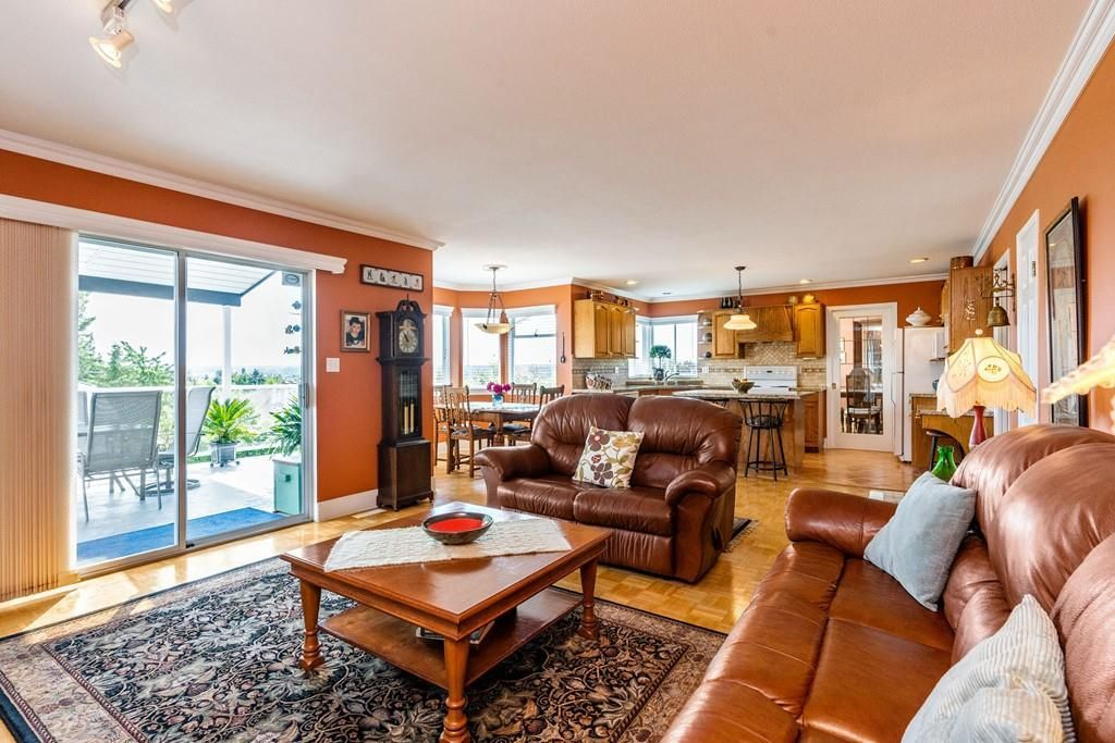 Photo 12: Photos: 6192 191A Street in Surrey: Cloverdale BC House for sale (Cloverdale)  : MLS®# R2279041