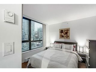 "Photo 1: 903 928 HOMER Street in Vancouver: Yaletown Condo for sale in ""YALETOWN PARK1"" (Vancouver West)  : MLS®# V1105059"