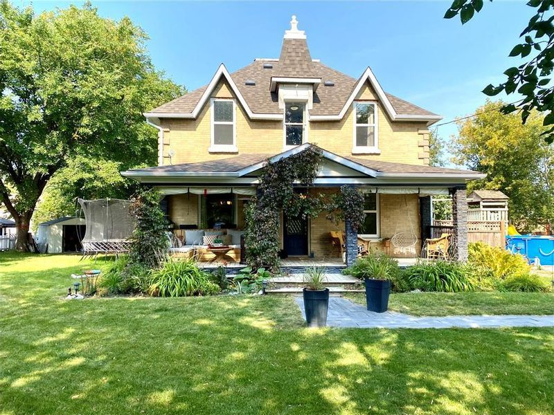 FEATURED LISTING: 468 king West Virden