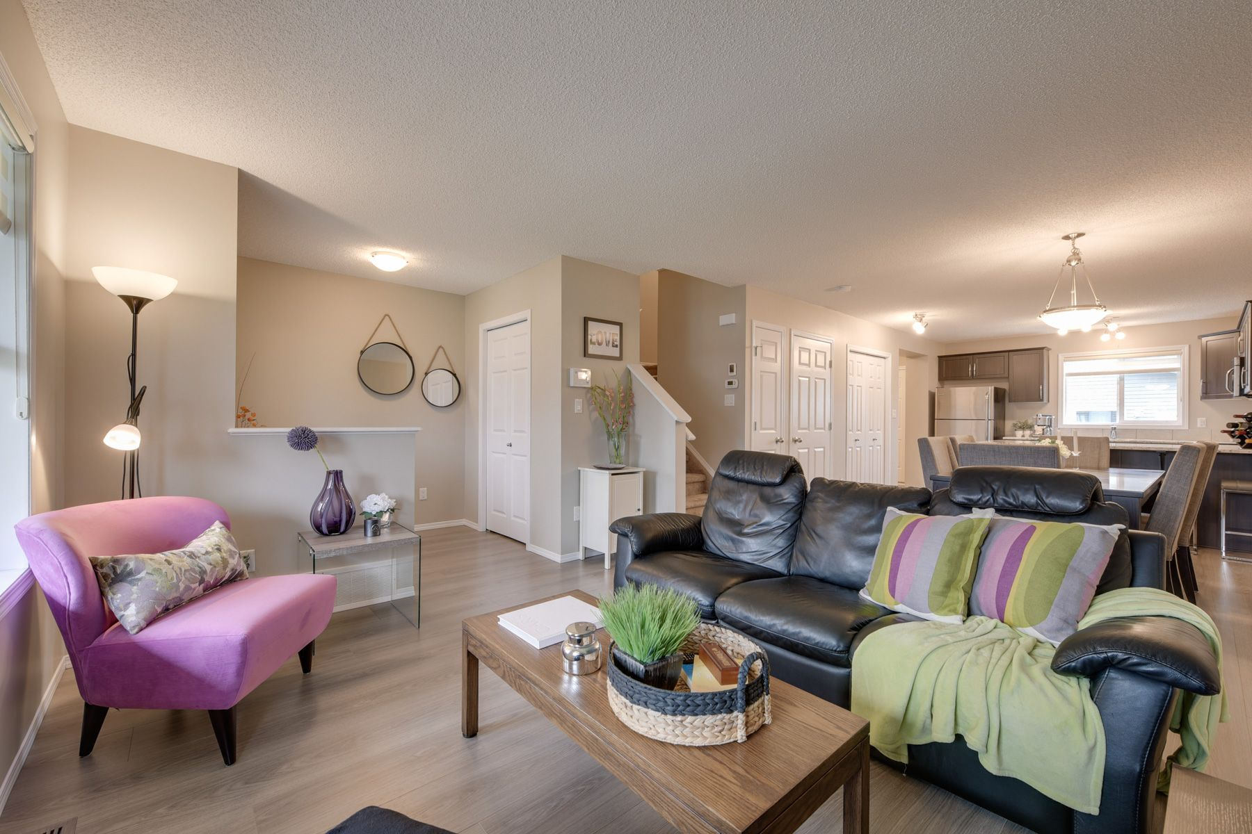 Main Photo: 732 Secord Boulevard: Edmonton House for sale : MLS®# E4128935