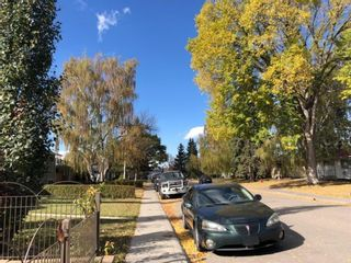 Photo 4: 52 Foxwell Road SE in Calgary: Fairview Detached for sale : MLS®# A1152957