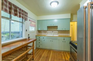 Photo 12: 3305 W 10TH Avenue in Vancouver: Kitsilano House for sale (Vancouver West)  : MLS®# R2564961