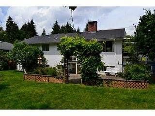 """Photo 2: 1135 RIDGEWOOD Drive in North Vancouver: Edgemont House for sale in """"EDGEMONT VILLAGE"""" : MLS®# V1069941"""