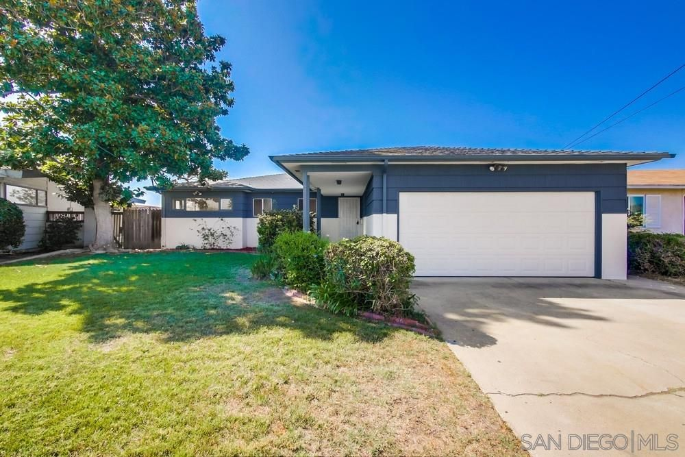 Main Photo: SAN DIEGO House for sale : 4 bedrooms : 5643 Dorothy Way