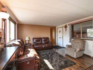 Photo 3: 490 Upland Ave in COURTENAY: CV Courtenay East Manufactured Home for sale (Comox Valley)  : MLS®# 837379