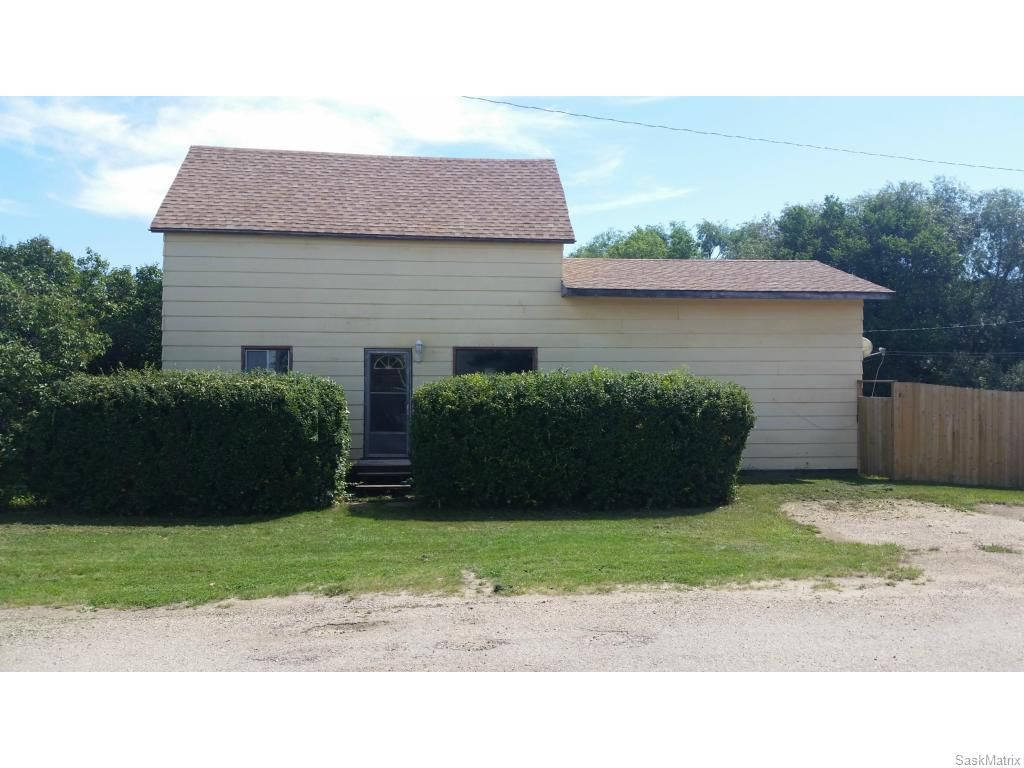 Main Photo: 300 3rd Street in Dundurn: Residential for sale : MLS®# SK614398