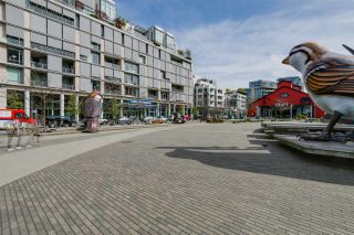 """Photo 3: 322 1783 MANITOBA Street in Vancouver: False Creek Condo for sale in """"RESIDENCES AT WEST"""" (Vancouver West)  : MLS®# R2059428"""
